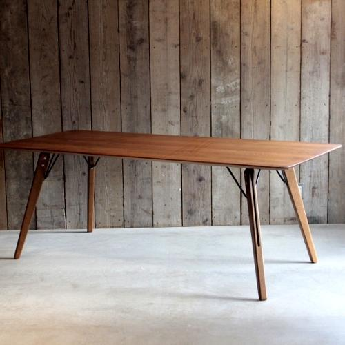 ファーガス テーブル